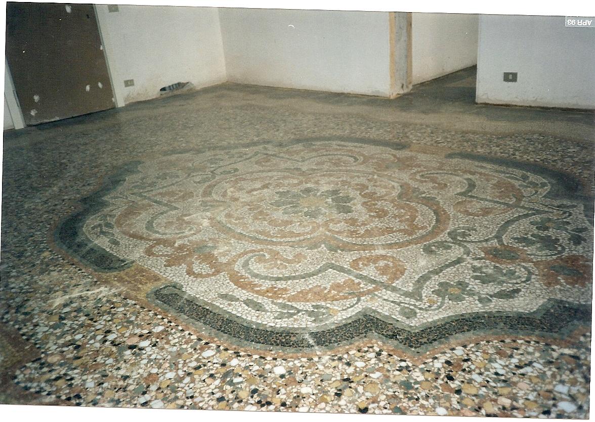 Ex casa di Modena pavimeto sala